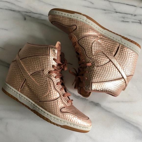 meilleur service 3bbd6 13ba3 Nike Dunk Ski Hi Rose Gold Sneaker Wedges Size 11